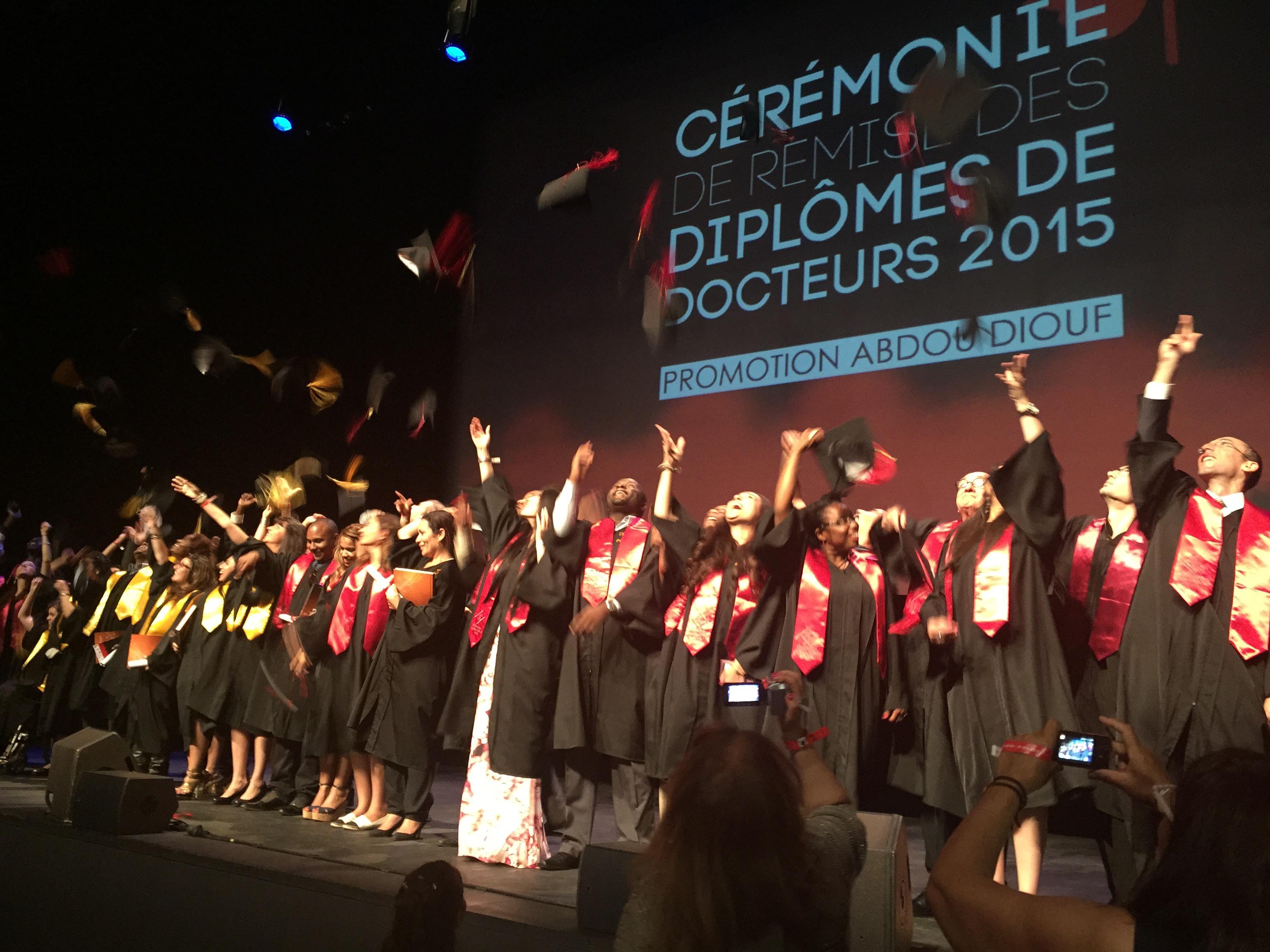 jeté de chapeaux diplômés UPVD
